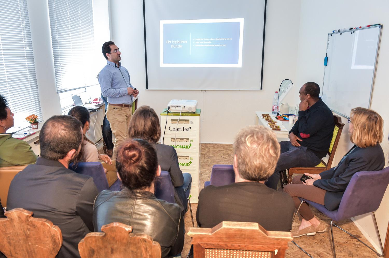 Foto: Evar S. während der Präsentation seiner Vision