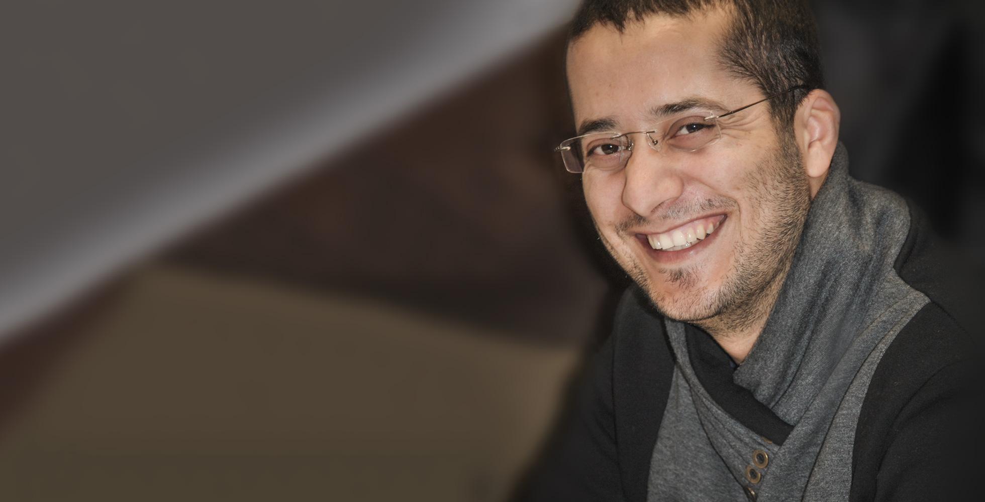"""Das Bild zeigt Almuntasar K. aus Jordanien, Teilnehmer am Training """"Medizinische Fachsprache und Kommunikation"""" des IQ Teilprojektes der AWO Bielefeld"""